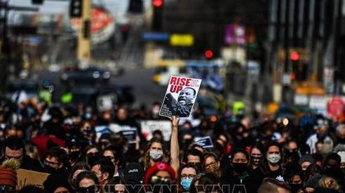 Mỹ: Biểu tình phản đối phân biệt chủng tộc lại nổ ra