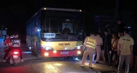 Xe buýt Hải Vân gây tai nạn chết người