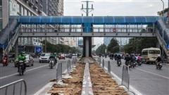Khẩn trương hoàn trả mặt đường do thi công hầm chui Lê Văn Lương không đúng giấy phép