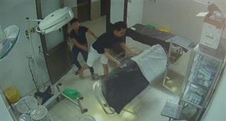 Bệnh nhân vào viện cấp cứu hành hung y bác sĩ