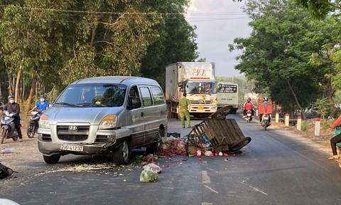 CSGT kịp thời đưa 2 vợ chồng bán rau đi cấp cứu sau tai nạn