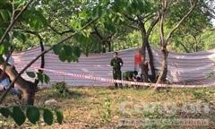Người đàn ông chết trong tư thế treo cổ trong khu vườn ở Sài Gòn