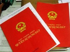 Khởi tố nhiều đối tượng trong 'đường dây' làm giả sổ đỏ ở Đắk Song