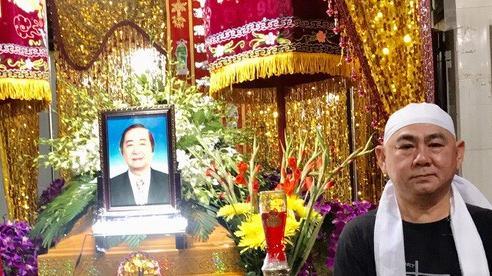 Tiễn đưa nhạc sĩ Đức Hiếu, gia tộc Minh Tơ nghẹn ngào
