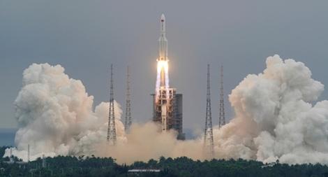 Trung Quốc nói gì về vụ 'mất kiểm soát' lõi tên lửa ngoài vũ trụ?