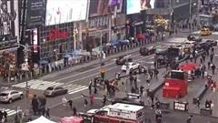 Bé gái 4 tuổi và 2 phụ nữ bị thương trong vụ xả súng tại quảng trường Thời đại