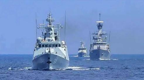 Indonesia và Trung Quốc kéo tàu khu trục ra biển ngoài khơi Jakarta tập trận chung