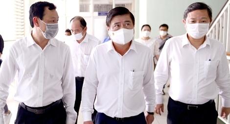 Lo ngại lây dịch COVID-19 từ các bệnh viện