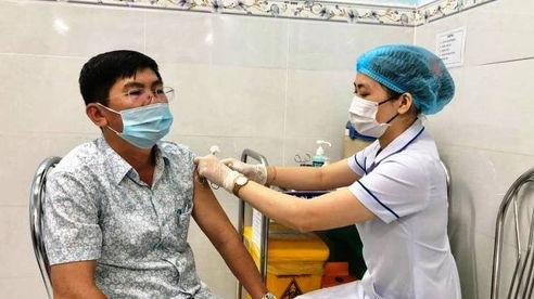 Quảng Ngãi: 8 trường hợp sốc phản vệ sau khi tiêm vắc xin Covid-19