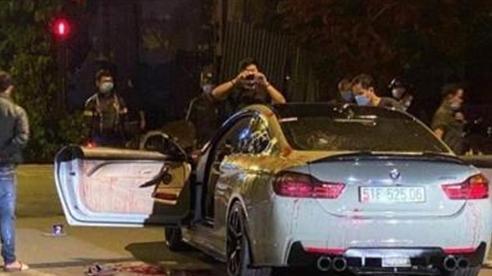 Đi ô tô BMW pô nổ to, hai người bị chém