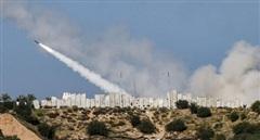 Hứng 150 rocket của Hamas, Israel dội bão lửa vào Dải Gaza