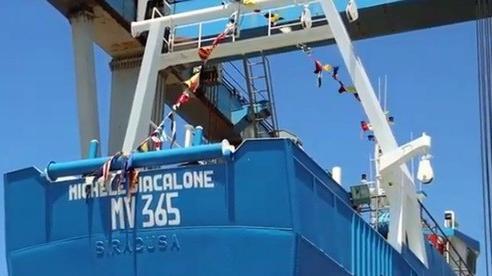 Căng thẳng mới trên Địa Trung Hải: Tàu cá va chạm nhau, ngư dân Thổ Nhĩ Kỳ ném đá và bom khói vào ngư dân Italy