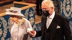 Nữ hoàng lần đầu tham gia sự kiện công khai hậu đám tang chồng, được Thái tử Charles chăm sóc hết mực