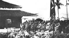 Khoa thi đầu tiên trong lịch sử Việt Nam được mở dưới thời vị vua nào?
