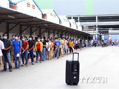 Campuchia tiêm phòng cho 80% người dân ở Khu vực Đỏ thuộc Phnom Penh