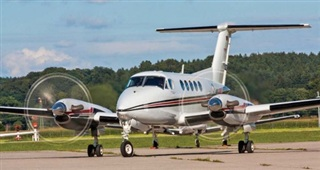 Thêm một hãng bay gãy cánh, thị trường hàng không chung bị 'trói cánh'