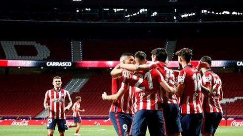 Thắng Real Sociedad, Atletico tiến gần đến ngôi vô địch La Liga