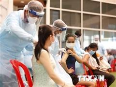 Campuchia trao thưởng cho người dân thứ 2 triệu tham gia tiêm chủng