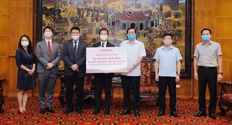 Honda Việt Nam ủng hộ máy xét nghiệm COVID -19 và máy trợ thở cho tỉnh Vĩnh  Phúc và Hà Nam