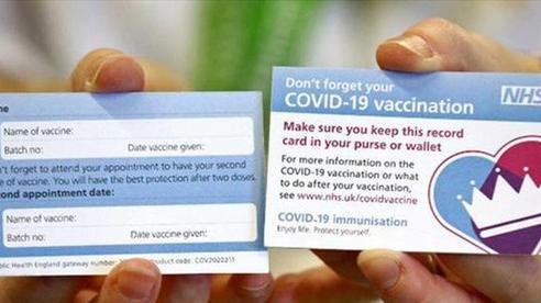 Tiêm vaccine COVID-19: Anh ngăn chặn được hàng chục ngàn ca tử vong