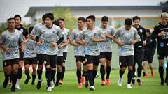 Đội tuyển Thái Lan trở lại tập luyện