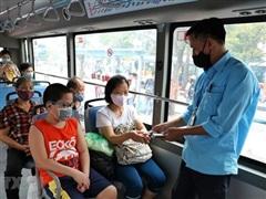 Đề nghị ưu tiên tiêm vaccine COVID-19 cho nhân viên xe buýt Thủ đô
