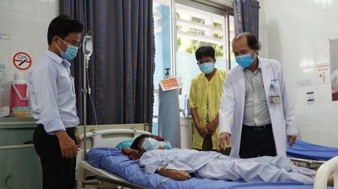 Cảm động thầy cô cùng hợp sức cứu học trò bị tai nạn nguy kịch