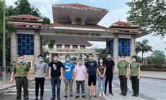 Trao trả 7 người Trung Quốc nhập cảnh trái phép