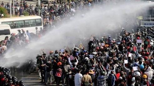 Tình hình Myanmar: Đại hội đồng LHQ cân nhắc cấm vận vũ khí với chính quyền quân sự