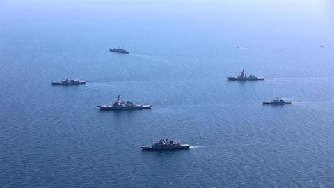 Ukraine điều hơn 30 tàu chiến đến bờ biển Crimea