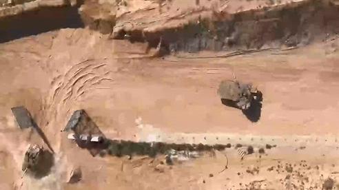 UAV Hamas bay ngay bên trên quân Israel ghi hình