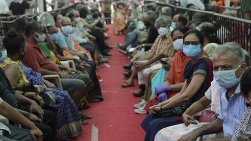 Ấn Độ lập kỷ lục mới về số người tử vong do Covid-19, hơn 4.500 ca/ngày