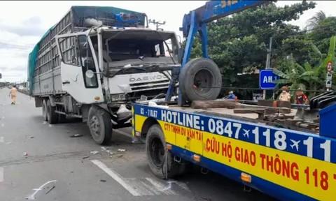 Hai vụ tai nạn liên hoàn ở Tiền Giang, 7 ô tô hư hỏng