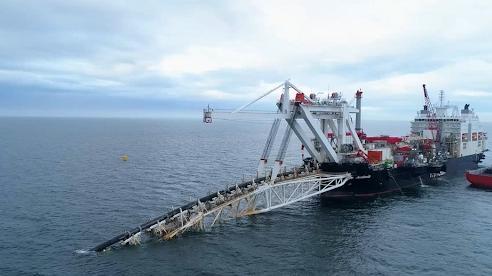 Mỹ lại cố cản Nord Stream 2, miễn trừng phạt Đức