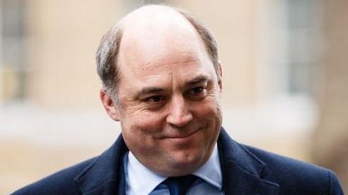 Bộ trưởng Quốc phòng Anh 'nhắc nhở' Nga 'thay đổi thái độ'
