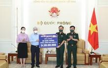 Trao 54,5 tỉ đồng cho Bộ Quốc phòng phục vụ công tác phòng chống dịch Covid-19