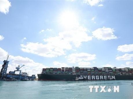 Kẹt kênh đào Suez: Ai Cập giảm tiền đòi đền bù với tàu Ever Given