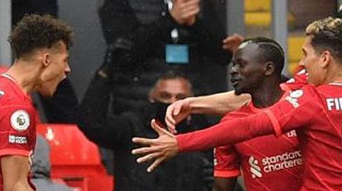 Liverpool xứng đáng, còn Chelsea may mắn ở lại tốp 4
