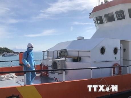 Khánh Hòa: Cấp cứu thành công thuyền viên Philippines bị nạn trên biển