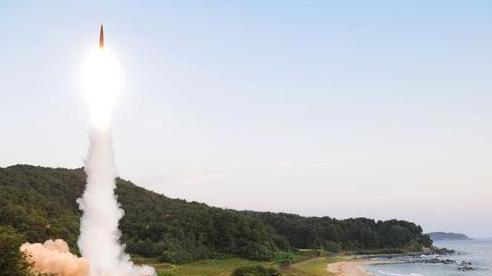Mỹ 'tháo cùm' cho tên lửa Hàn Quốc, Trung Quốc liệu có sợ?
