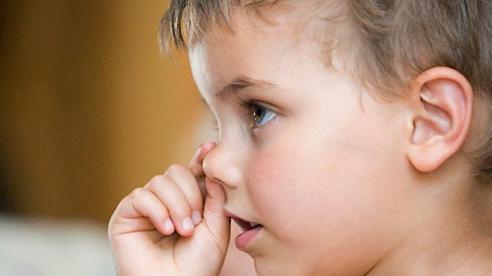 Xử trí thế nào khi trẻ bị chảy máu cam?