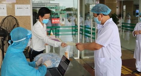 Bệnh viện Bệnh Nhiệt đới Trung ương kết thúc cách ly y tế
