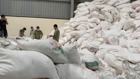 Hơn 50 tấn tinh bột sắn 'xuất xứ Lào' được 'phù phép' thành nhãn hiệu Việt Nam