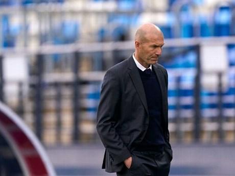 HLV Zinedine Zidane chính thức rời Real Madrid sau mùa giải trắng tay