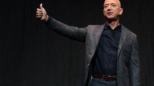 Tỷ phú Jeff Bezos chính thức từ chức Giám đốc điều hành Amazon