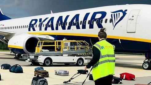 Vụ máy bay Ryanair: Tiết lộ mới về lời đe dọa đánh bom, Thổ Nhĩ Kỳ tìm cách 'dập lửa' NATO- Belarus, Nga vào tầm ngắm