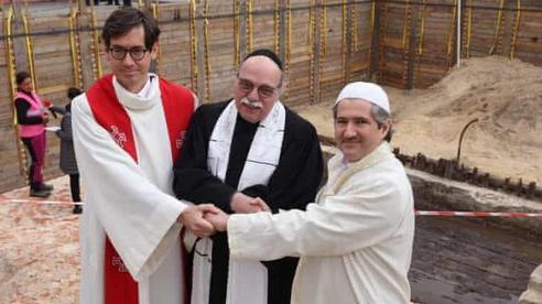 Nhà thờ 'hợp nhất' Hồi giáo, Do Thái giáo và Cơ đốc giáo