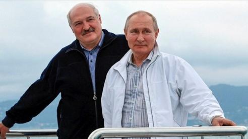 Vụ máy bay Ryanair: Nga sẽ bảo vệ Belarus nếu bị EU trừng phạt