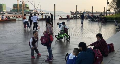 Trung Quốc cho phép mỗi cặp vợ chồng được sinh 3 con