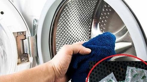 Đến chăm sóc bạn gái ốm, tôi điên tiết bỏ về vì vô tình thấy 'vật thể lạ' trong máy giặt